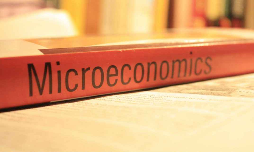 Best Books for Learning Microeconomics and Its uses in real world