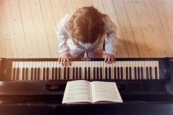 Best Piano Books Teaching How to play and Improve Skills.